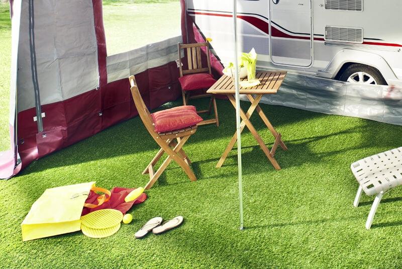 Kunstgras op de camping
